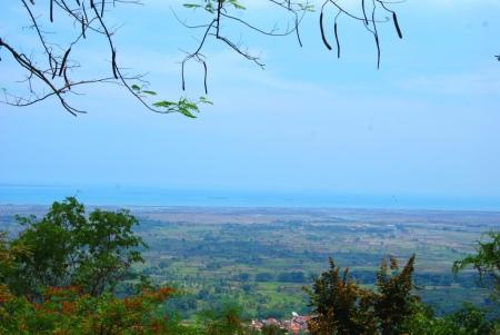 Pemandangan dari puncak Gunung Pinang