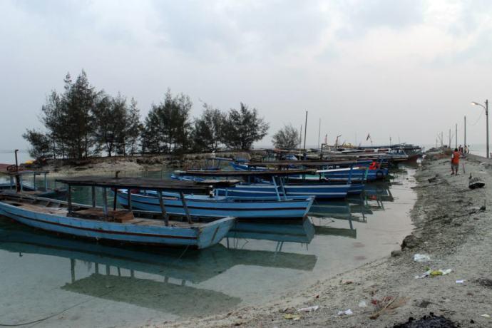 Kapal-kapal nelayan di Pulau Tidung