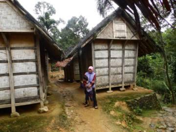 Aku, Daffa' dan Leuit (lumbung padi) di Baduy luar