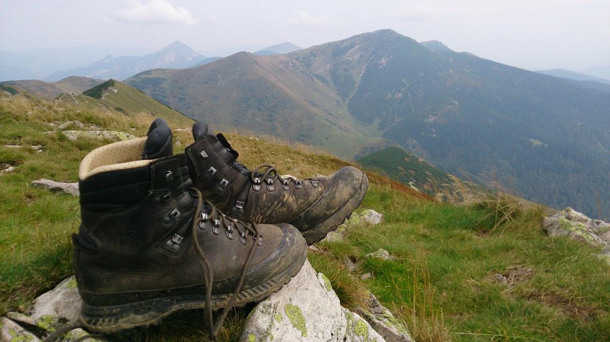 Memilih Sepatu Gunung Yang Bagus