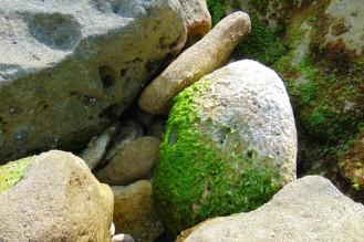 rocky beach - goa cina Malang